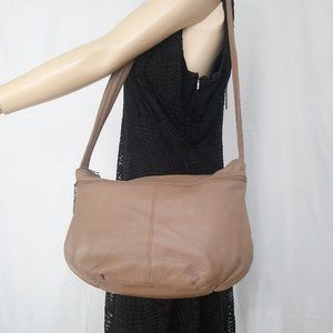 STONE MOUNTAIN Brown Leather Large Crossbody